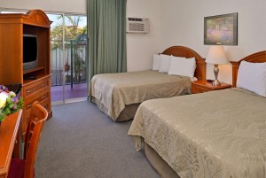 2 Double Beds