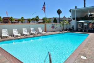 Americas Best Value Inn Loma Lodge - Relax In Our Pool